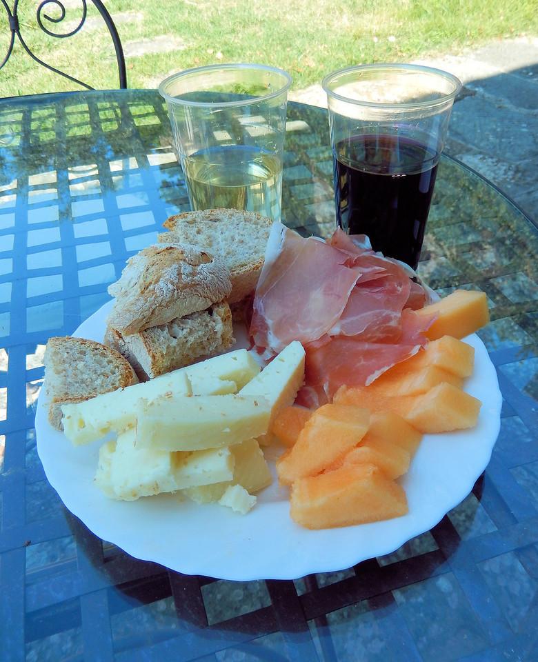 Lunch Al Fresco